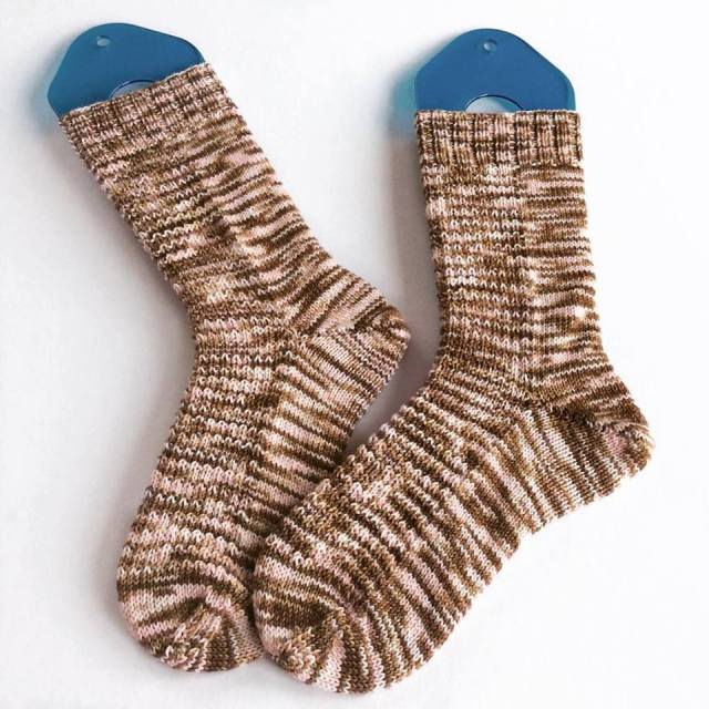 finished-pebble-socks